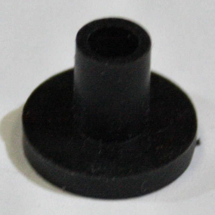 Black Rubber Flanged Mirror Plug